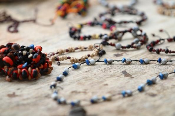 Bracelets et colliers. Selva Lacandona