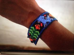 Bracelets manchette cerf-bleu fait par Jaime Carillo Lopez. Jalisco